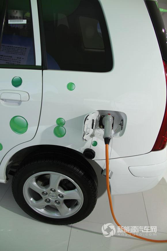 海马普力马ev纯电动轿车  海马普力马ev纯电动轿车车型基本参高清图片