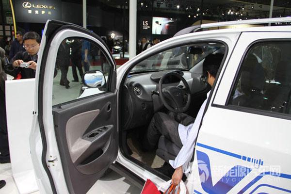 奇瑞瑞麟X1 EV纯电动轿车高清图片