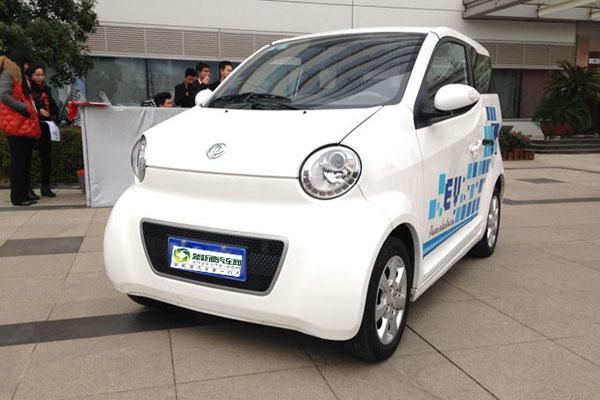 东风纯电动轿车