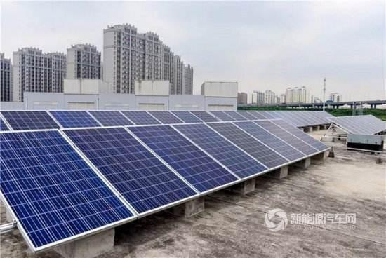 """上海首座""""光储充""""一体化充电站 每度电1.98元"""