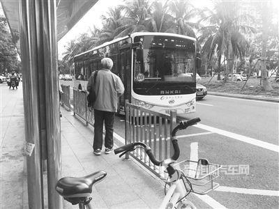 乘纯电动公交车比坐燃油公交车容易晕车,为啥?