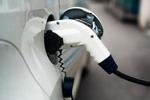 重庆:主城最大汽车充电站投用 可同时容纳50辆车充电