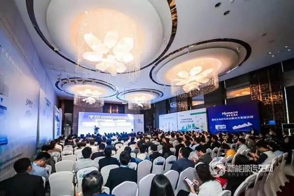 微宏荣获2018中国锂电行业十大竞争力品牌奖
