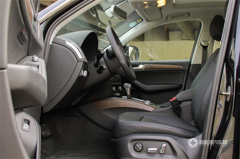 奥迪Q5 2013款 40TFSI hybrid quattro