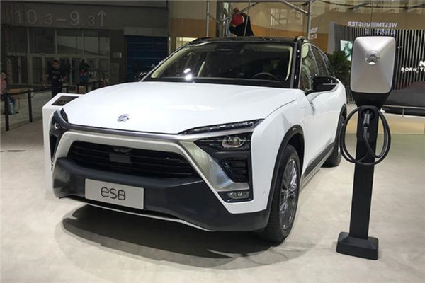 蔚来汽车携ES8基准版及六座版亮相广州车展