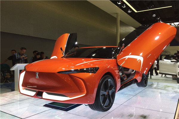 广州车展WEY首款纯电动SUV概念车WEY-X亮相