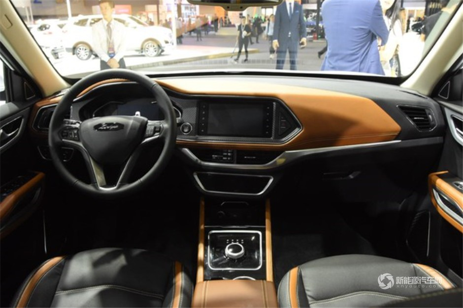 众泰纯电动SUV ET450正式亮相4