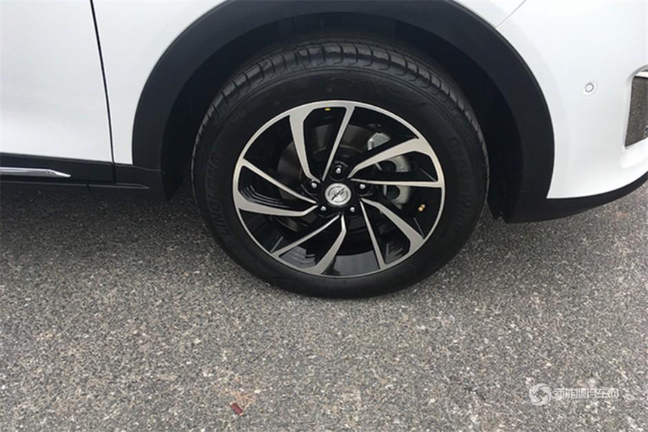 众泰纯电动SUV ET450正式亮相16