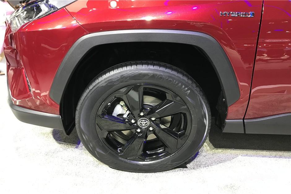 丰田RAV4双擎版4