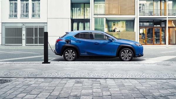 为何丰田首款纯电动车型选择雷克萨斯?