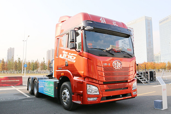 解放 JH6重卡 6X4排半纯电动牵引车(CA4250P26T1BEVA1)