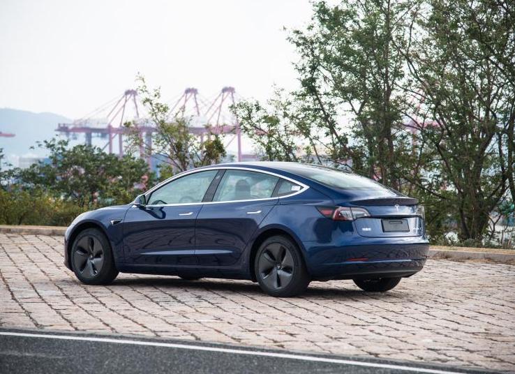 特斯拉自动驾驶全球调价 再涨1000美元