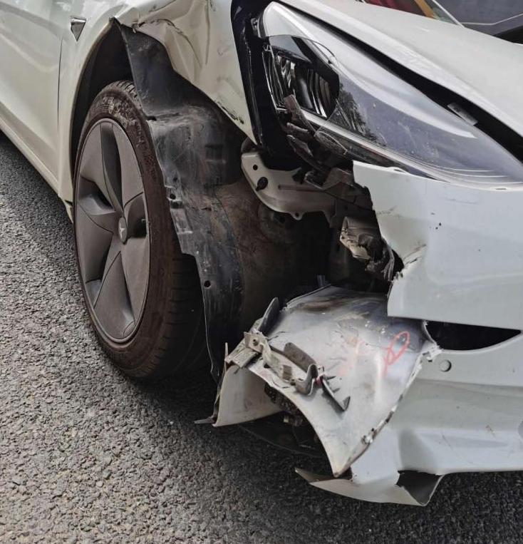 特斯拉回应Autopilot渣土车致相撞事件