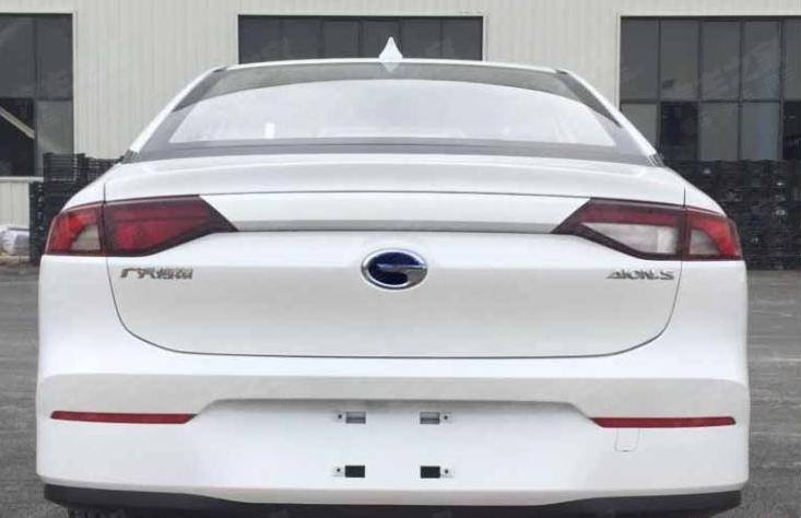 广汽新能源埃安S新车型申报图 136马力