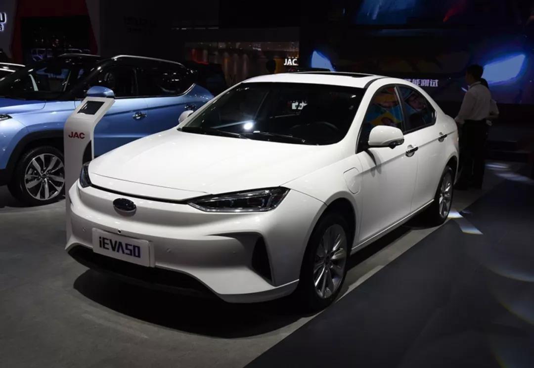 价格进一步下探 江淮iEVA50新增车型上市