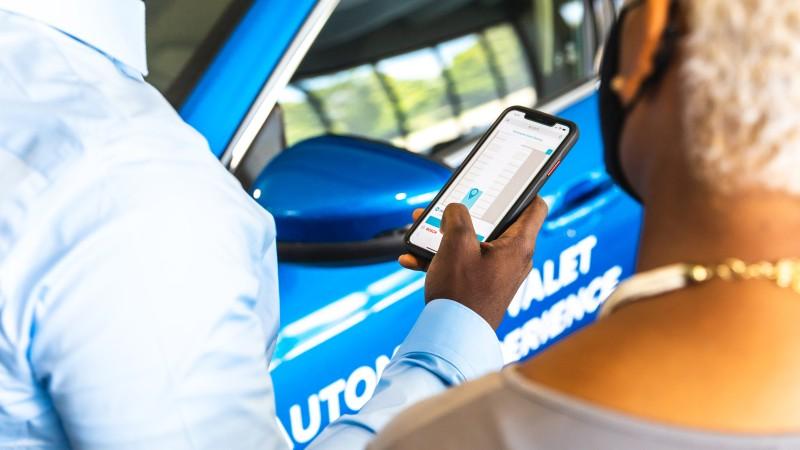 博世携手福特和Bedrock在底特律展示自动代客泊车技术