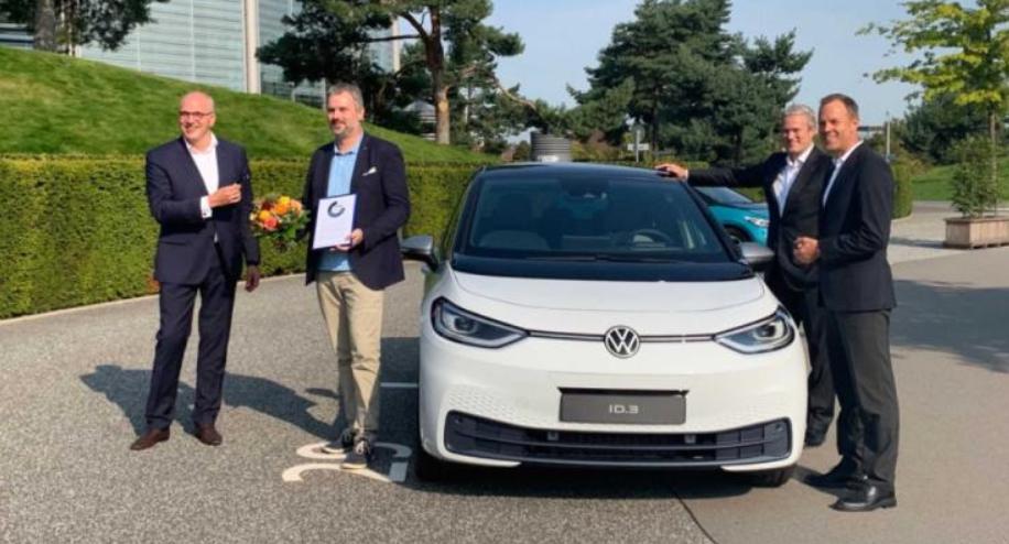 大众汽车正式交付ID.3电动车 全球首辆