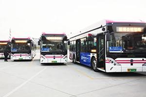"""第三届进博会展风采,申龙新能源客车勾勒美丽""""风景线"""""""