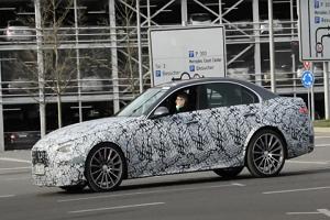 换装四缸混合动力系统 全新梅赛德斯-AMG C63谍照曝光