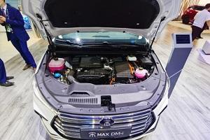 宋MAX DM-i新车亮相2021上海车展 油耗低至1.5L