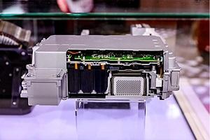 首次在国内亮相 日立安斯泰莫展示电机控制器及双目相机