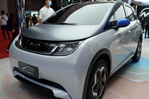 新能源车持续热销-暴涨104% 比亚迪4月销量增42%