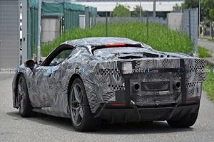 搭V6混动系统 法拉利全新跑车谍照曝光