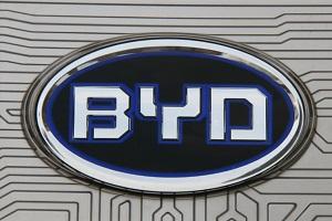 比亚迪高端车型四季度发布 预计将搭载刀片电池