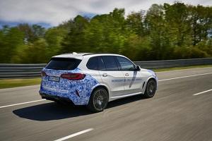 小规模量产车将于2022年推出 宝马氢燃料电池原型车实路测试