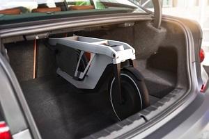 宝马发布两款概念交通工具 续航里程20公里