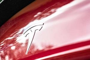 特斯拉史上性能最强SUV!特斯拉Model X Plaid原型车谍照曝光