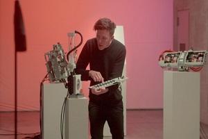 使用极星2声音元素制作歌曲 运用极星2零部件打造机器人