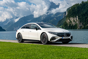 开启豪华旗舰轿车纯电新世代 奔驰EQS正式海外发布