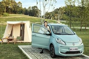 售4.38万元起 长安新能源奔奔E-Star国民版新车型上市