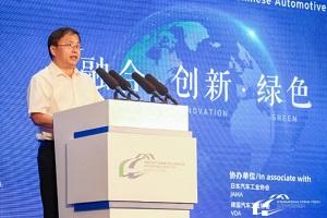 生态环境部大气环境司副司长吴险峰:汽车污染排放与2000年持平