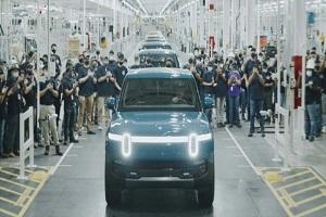 2021年9月份正式交付 Rivian首款量产车R1T纯电皮卡下线