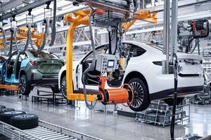 蔚来ET7首批全工艺生产线试制车下线 生产进入新阶段