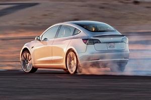 续航提升70公里 特斯拉Model 3高性能全轮驱动版将推新版本