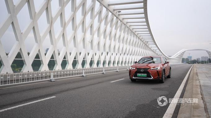 """在大型""""真香""""现场的中国新能源市场,雷克萨斯UX300e的表现力如何?"""